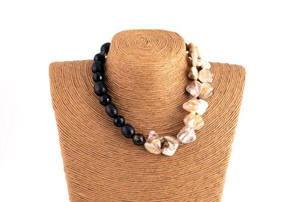Collana perla ebano